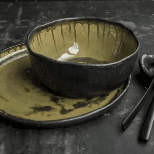 Green Glaze Met Zwart Bowl En Bord Made By Marc Hip Tafelen DSC 0035