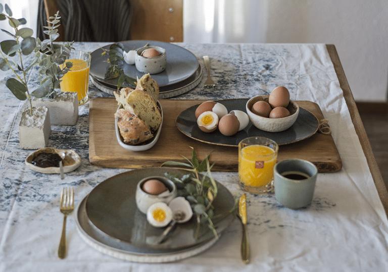 Paastafel, gedekte tafel, interieur styling servies
