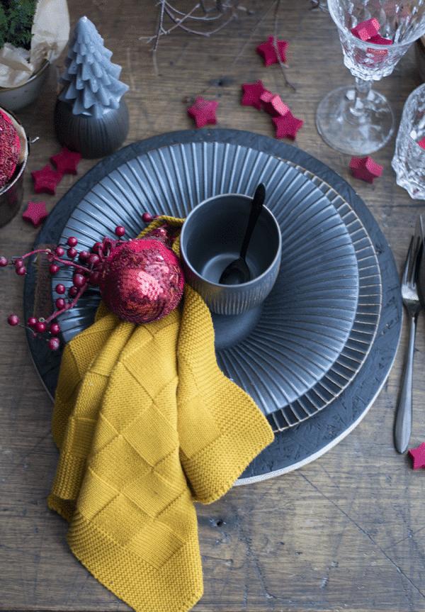 Brass Servies, Kersttafel, Gedekte Tfel, Stoer Servies HIP Tafelen DSC 0211