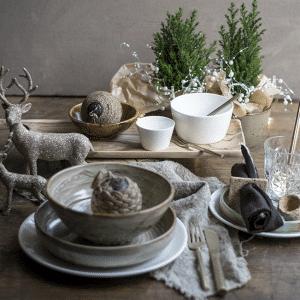 Ecru gedekte tafel landelijke stijl, kersttafel, kerstdecoratie, gedekte tafel
